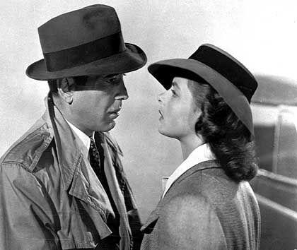 """As time goes by"": Ingrid Bergman und Humphrey Bogart in der berühmten Abschiedsszene des laut AFI ""besten US-Liebesfilms"""