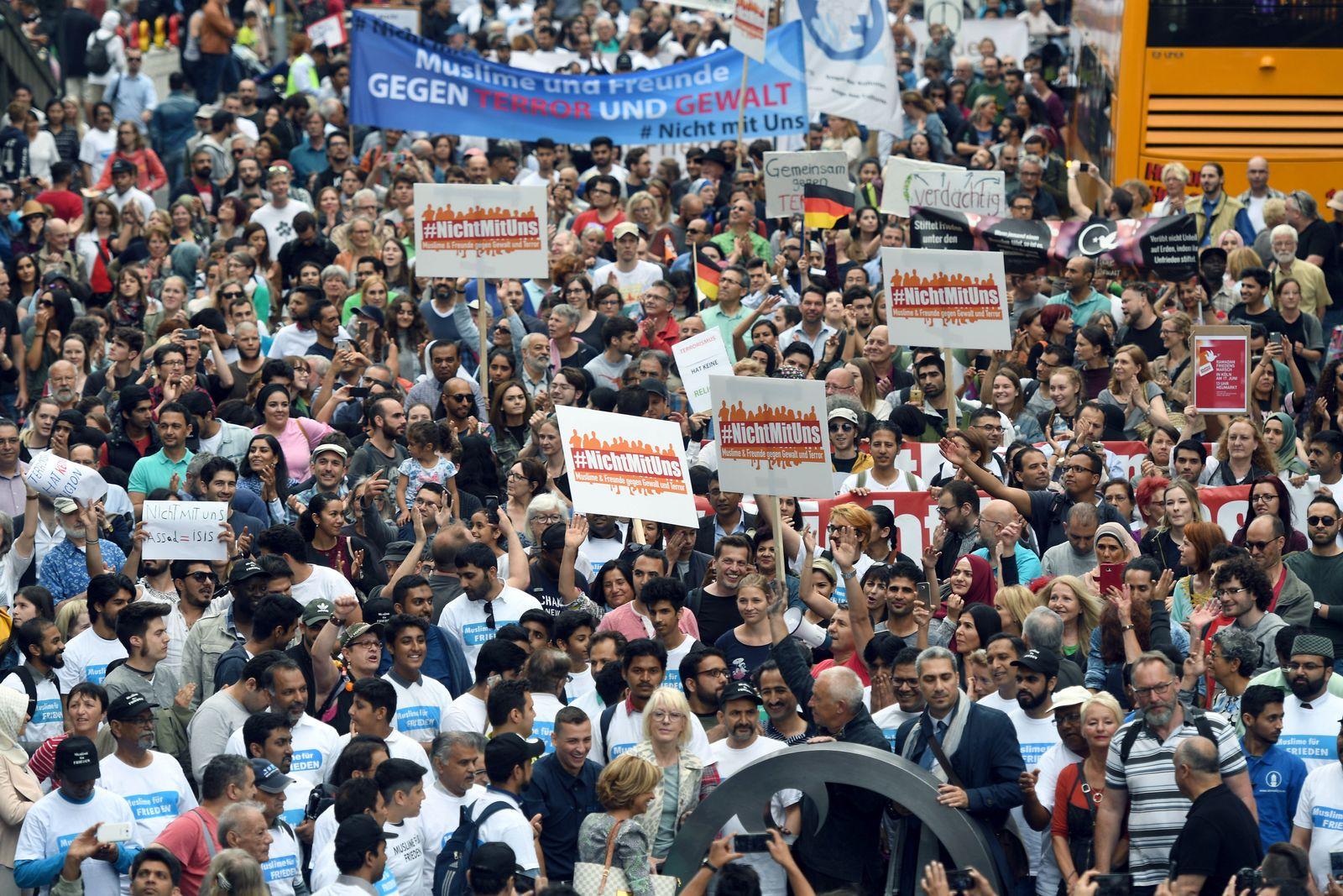 Friedensmarsch von Muslimen / Köln