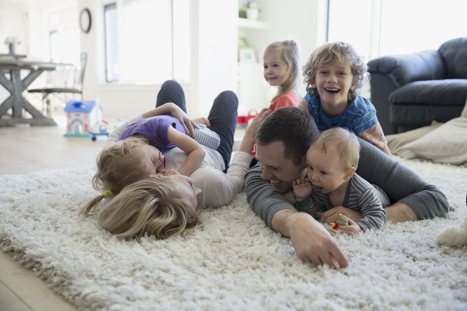 EINMALIGE VERWENDUNG Kindderreiche Familie