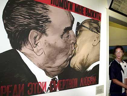Mund-zu-Mund-Propaganda im Sozialismus