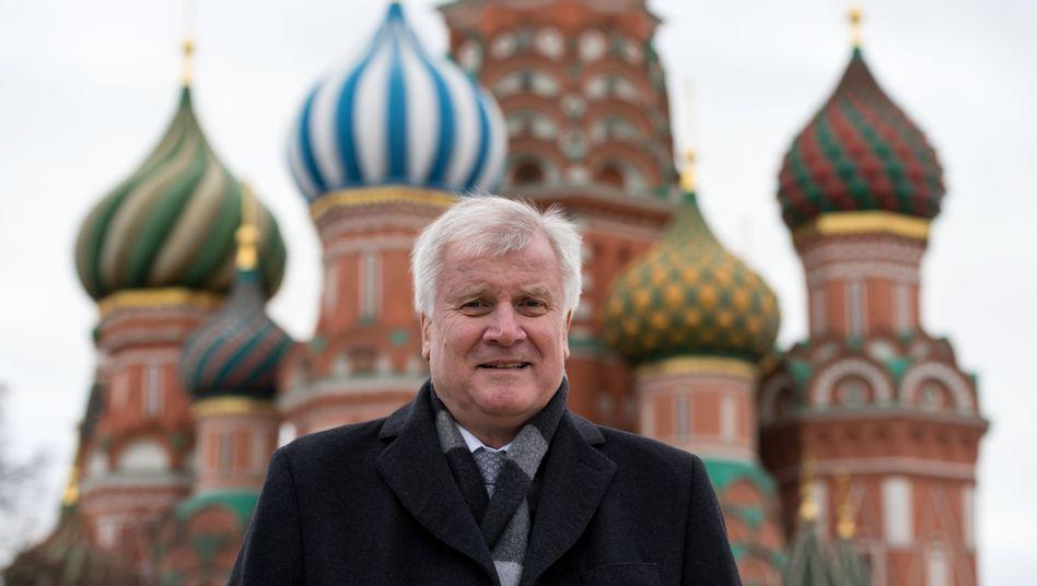Ministerpräsident Seehofer auf dem Roten Platz: Kritik an den Sanktionen