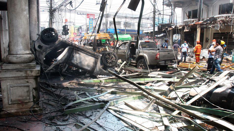 Autowrack und Zerstörung in Yala: Drei Bomben innerhalb von hundert Metern