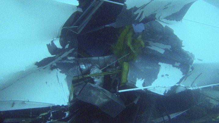 """""""Costa Concordia"""": Unterwasserfotos vom Wrack vor Giglio"""