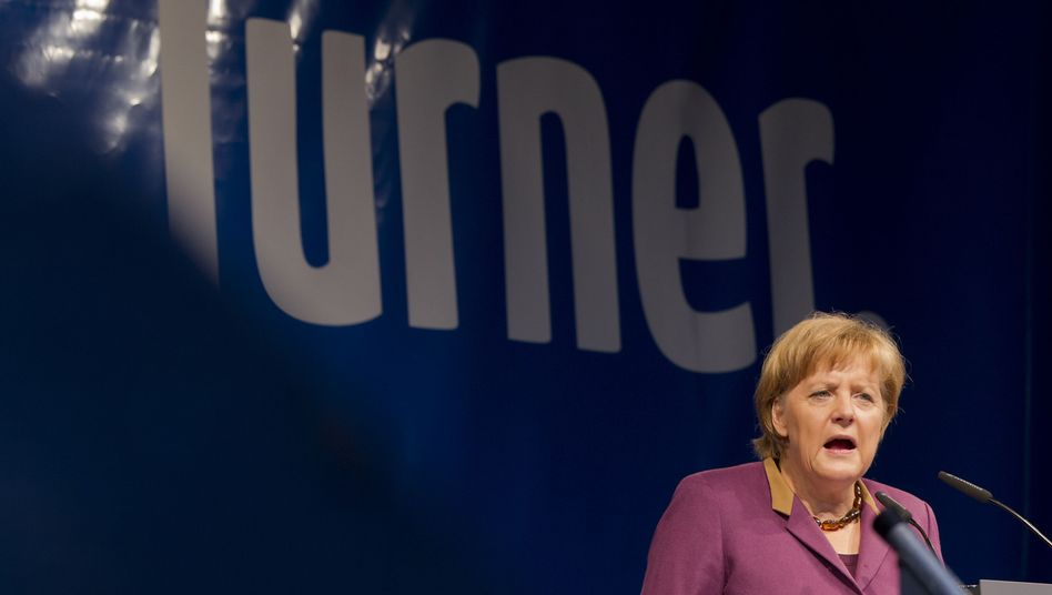 """Kanzlerin Merkel in Stuttgart: """"Es ist schön laut hier"""""""