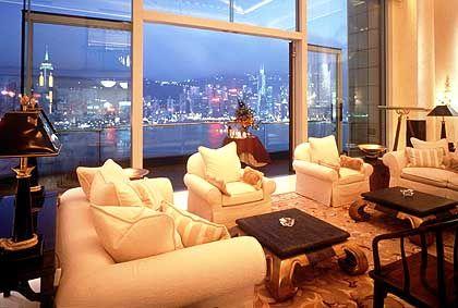 Peninsula Hongkong: Zur Hafenseite hin bieten die Zimmer wohl einen der grandiosesten Ausblicke dieser Erde