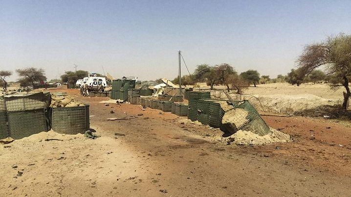 """Ort den Angriffs: Einfahrt zum """"Super Camp"""" der Uno am Flughafen Timbuktu"""