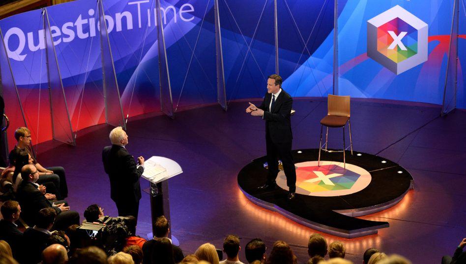 David Cameron (r.) in der TV-Fragestunde: Die Sympathie der Zuschauer gewonnen