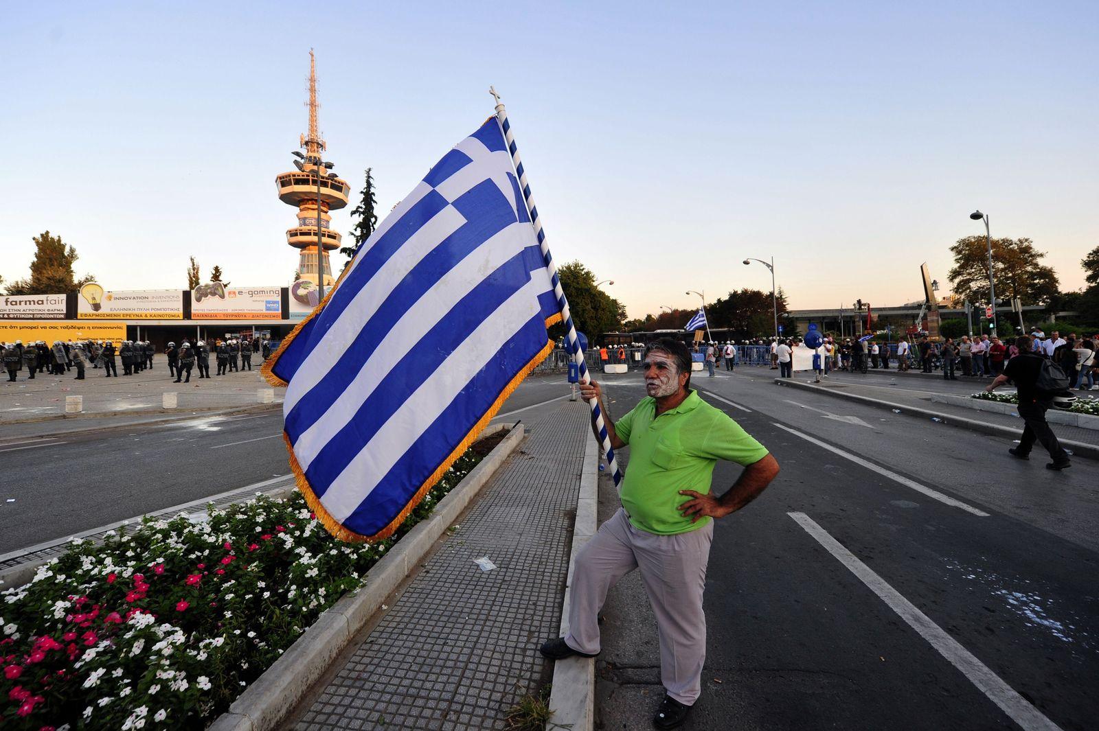 Griechenland / Proteste / Fahne