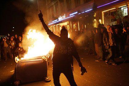 """Randale beim 1. Mai 2008: Die Organisatoren der Demos wollen auch dieses Jahr """"alles tun, damit soziale Unruhen eintreffen."""""""