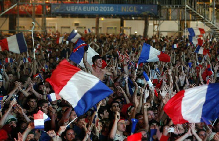 Hoch emotionale Frankreich-Fans beim EM-Spiel gegen Island