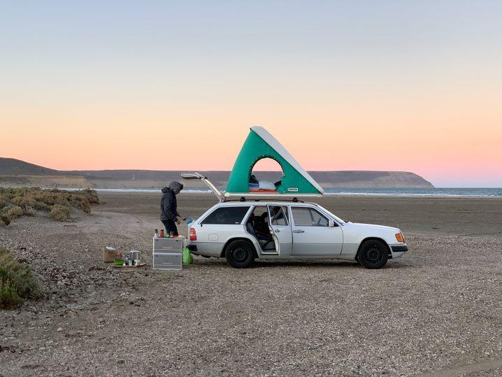 Der »Daimler« mit Dachzelt: Zu windig in Patagonien