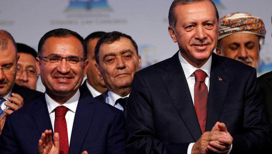 Recep Tayyip Erdogan, Bekir Bozdag (l.)