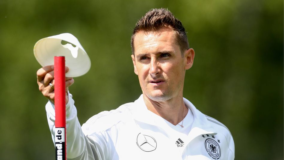 Miroslav Klose war schon Assistent von Bundestrainer Joachim Löw bei der WM 2018