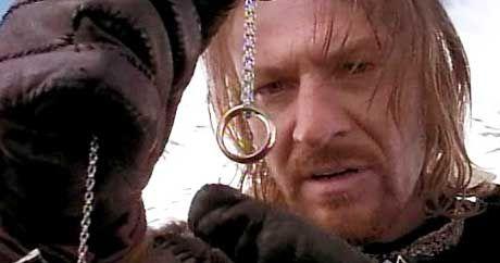 """Er kann dem dämonischen Einfluss des Rings nicht widerstehen: Sean Bean als Boromir in """"Der Herr der Ringe"""""""