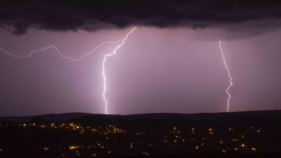 Blitze am Himmel über Sachsen: 51 Verletzte bei Festival in Roitzschjora
