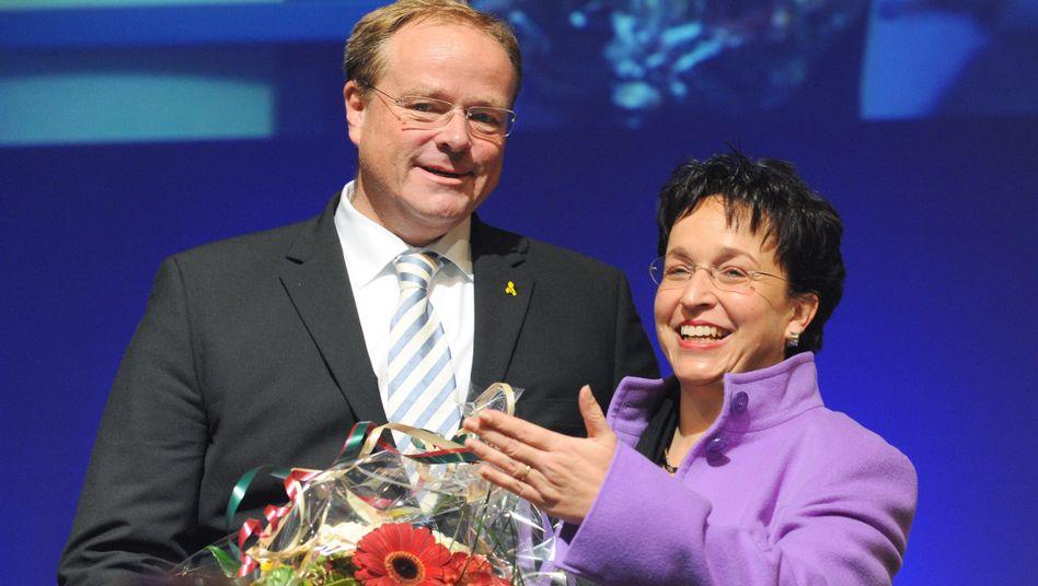 Spitzenkandidat Niebel mit Homburger: Schlammschlacht auf dem Parteitag