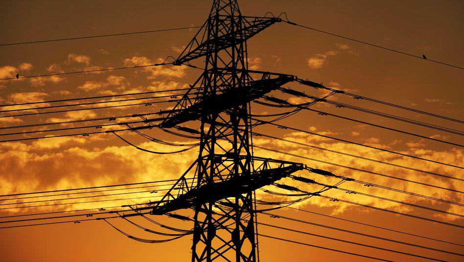 Strommast nahe Hamburg: Effizienzziele aufgeweicht