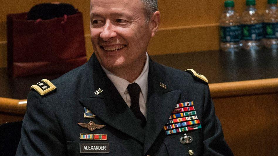 NSA-Chef General Keith Alexander: Mehr Sicherheit mit weniger Personal