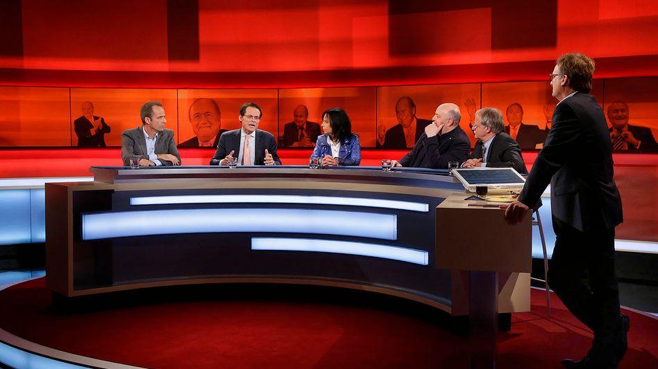 """""""Hart aber fair""""-Moderator Plasberg mit Fifa-Diskutanten: Steilvorlagen für die Blatter-Unterstützer"""