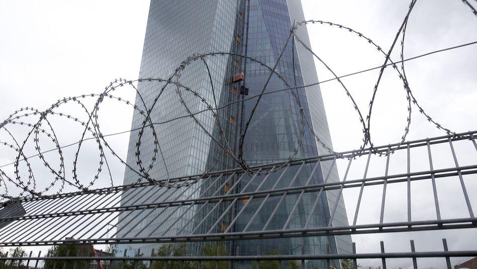 EZB-Zentrale in Frankfurt am Main: Minuszinsen wirken