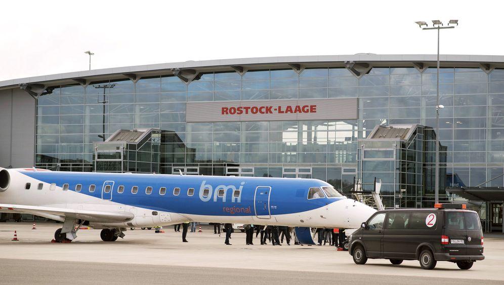 """Regionalflughäfen: Mit """"Valentinstagstouren"""" für das Überleben"""