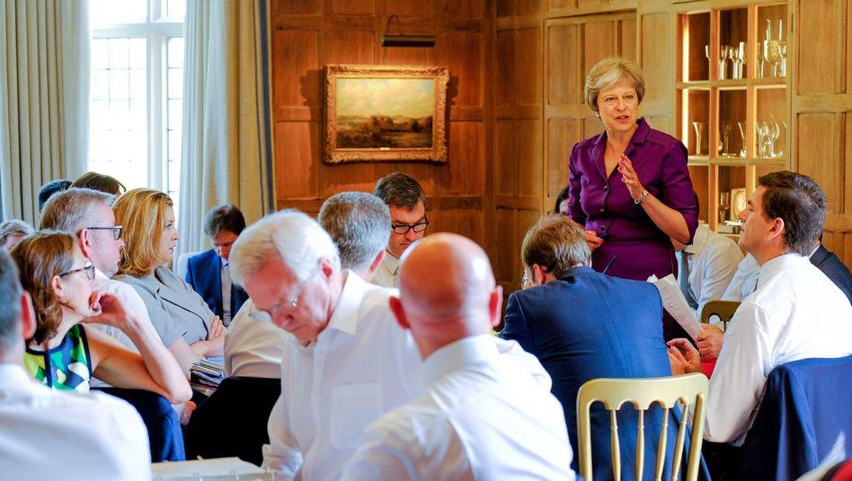 Theresa May bei der Kabinettssitzung