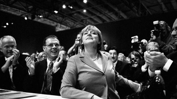 Merkel-Bilder: (Fast) alles unter Kontrolle
