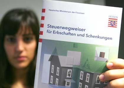 Steuerwegweiser Erbschaften: Politik muss neues Verfahren finden