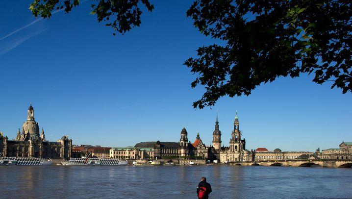 Hochwasser: Kampf gegen die Fluten entlang der Elbe
