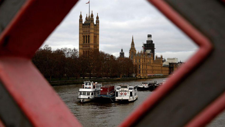 Blick auf das Parlamentsgebäude in London
