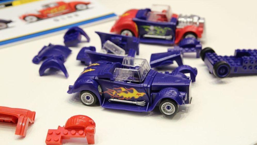Lego-kompatible Slotcars: Kreatives Crashen