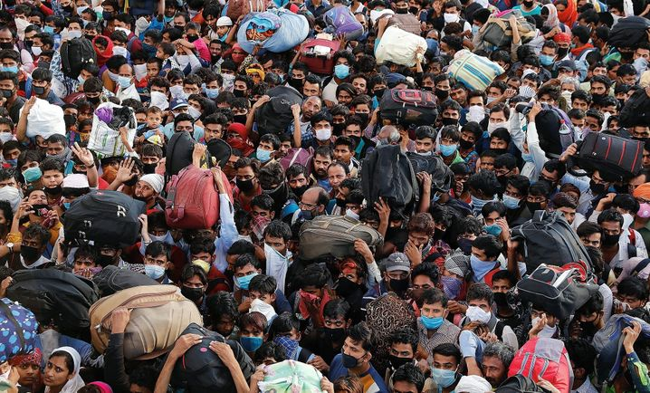 Migrant workers in India stranded by the lockdown: Who will be the first to receive the vaccine?