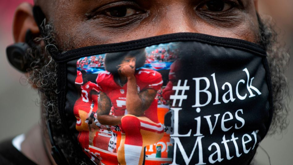 """Colin Kaepernick als Symbolfigur für die """"Black Lives Matter""""-Bewegung"""