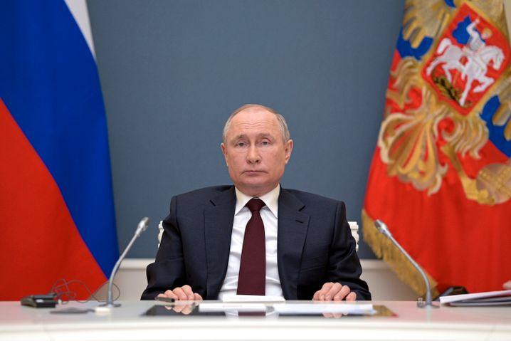 Sträubt sich noch gegen ein Gipfeltreffen mit den USA: Russlands Präsident Wladimir Putin