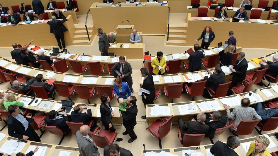 Plenarsitzung im bayerischen Landtag: Präsidentin sucht Befreiungsschlag