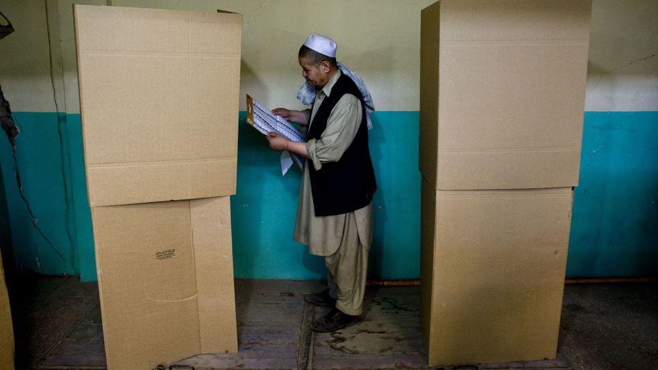 Wähler in Kabul: Bis zu einem Viertel der ausgezählten Stimmen verdächtig