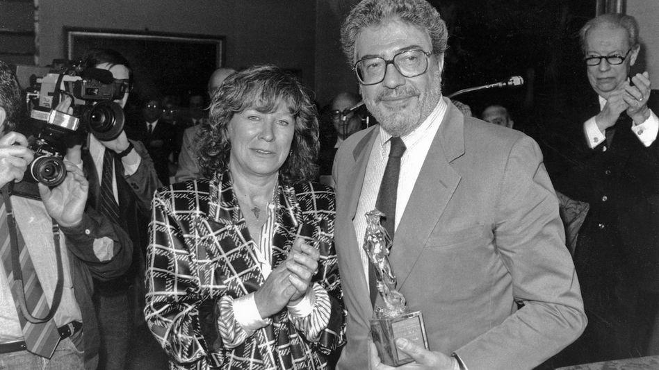 """Ettore Scola 1987 mit der Regisseurin Margarethe von Trotta: Der """"politischste"""" Filmemacher in der italienischen Filmbranche"""