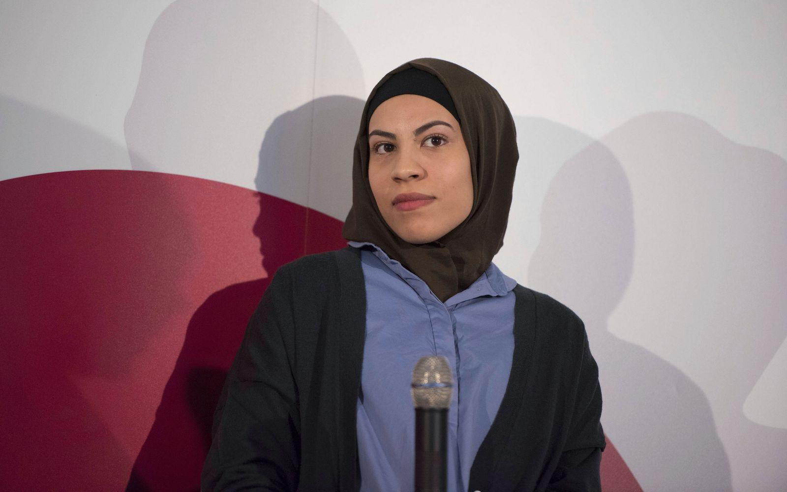 DEU, Deutschland, Germany, Berlin, 03.02.2016: YouTuberIn Nemi El-Hassan (Dattelt?ter) bei einer Pressekonferenz zum Th