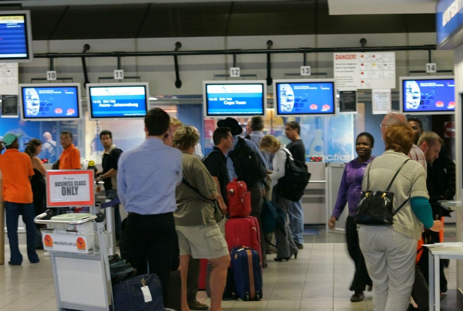 Namibia Flughafen Passagiere Checkin