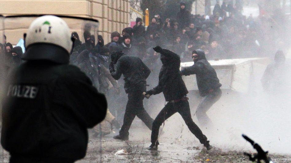 "Ausschreitungen in Dresden 2011: ""Was offen bleibt, kann man nicht mit Mutmaßungen füllen"""
