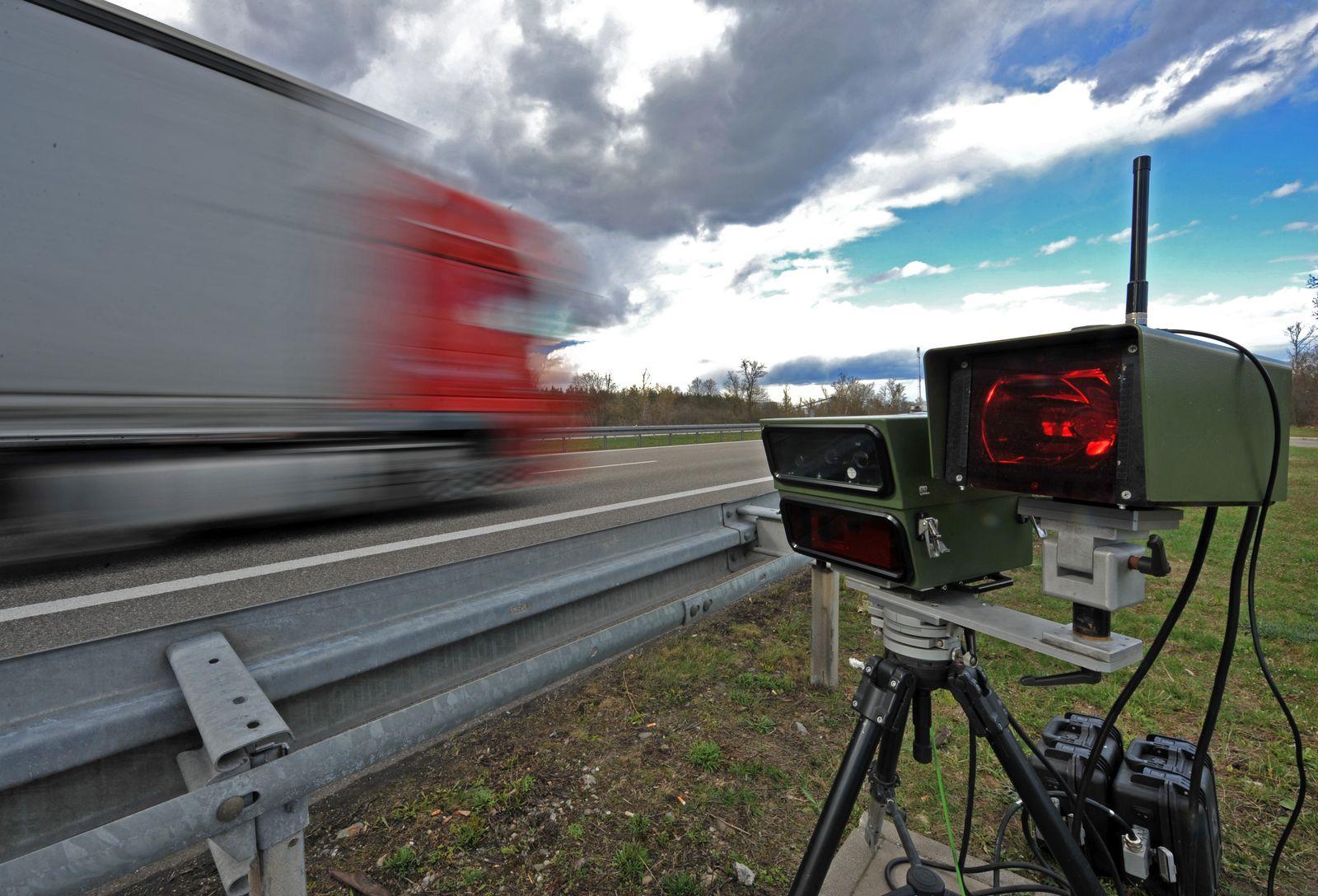 Geschwindigkeitskontrolle / Autobahn A5