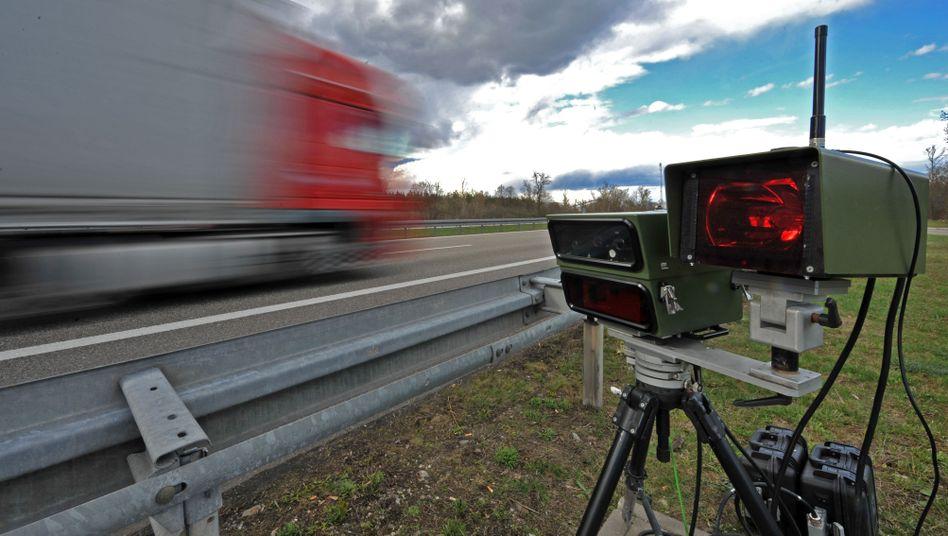 """Digitales Lasergeschwindigkeitsmessgerät an der A 5: """"Die Polizei ist übereifrig"""""""