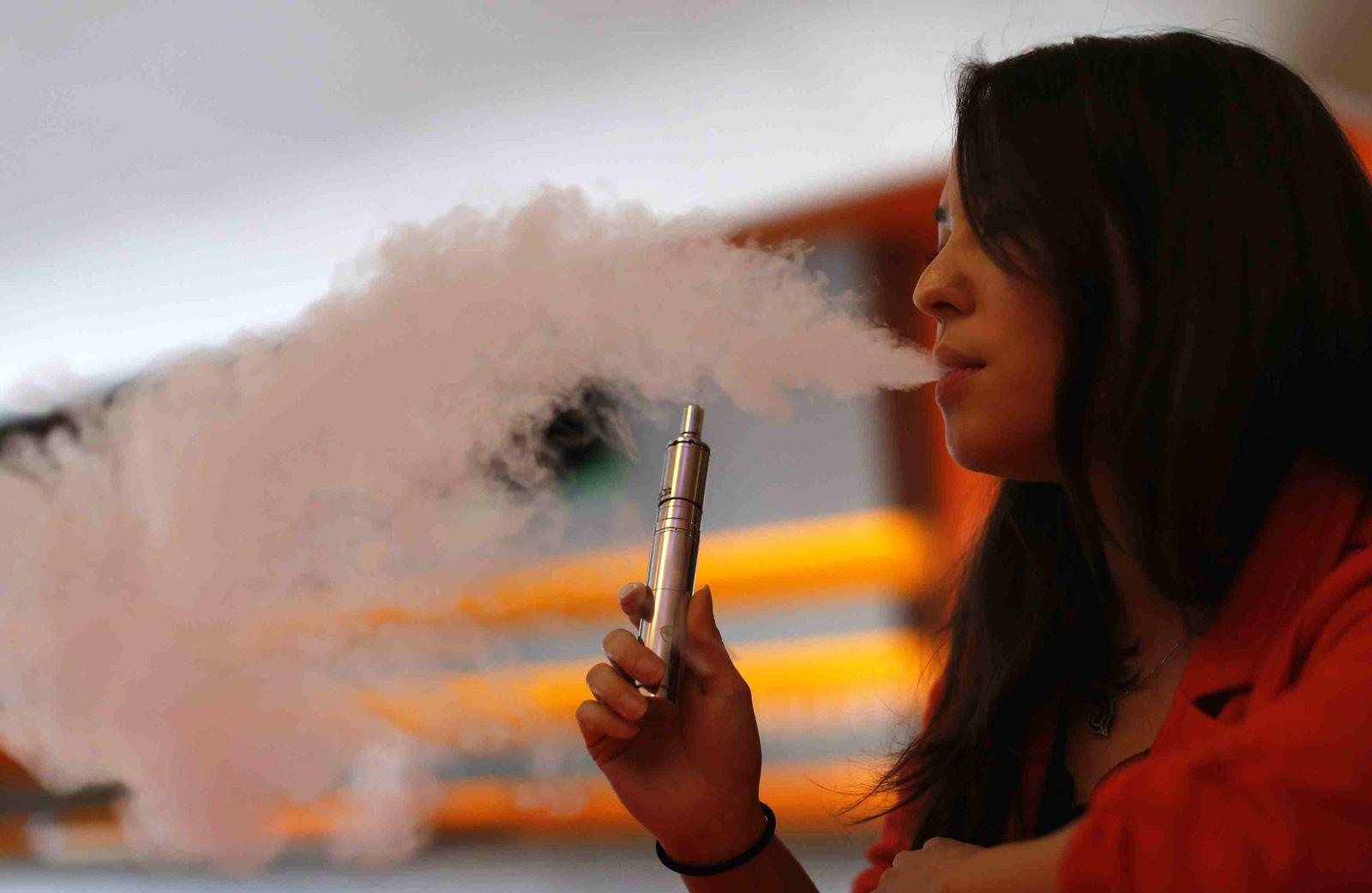 E-Zigarette Dampfen