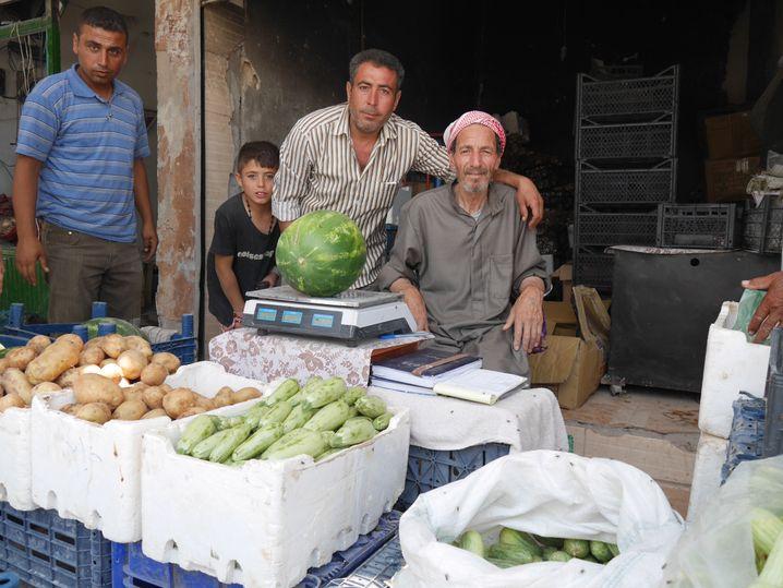 Markt in Kobane: Obst und Gemüse kommen von den umliegenden Feldern und aus der Türkei