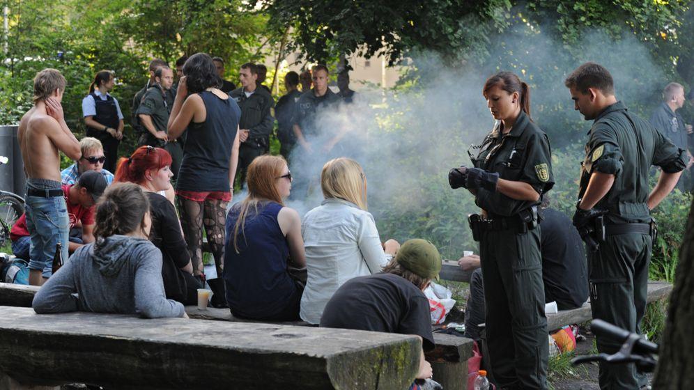 Facebook-Einladung: Polizei setzt Grillverbot durch