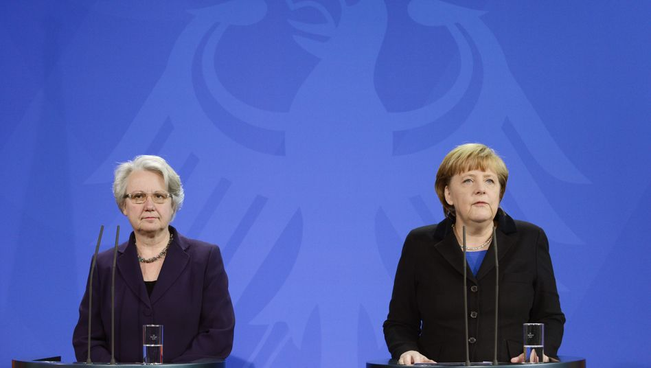 German Education and Research Minister Annette Schavan announced her resignation on Saturday in a joint press conference with Chancellor Angela Merkel.