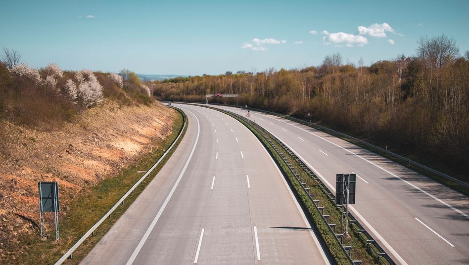 Freie Autobahnen und menschenleere Innenstädte - an Ostern hielten sich die meisten Deutschen an die Corona-Einschränkungen
