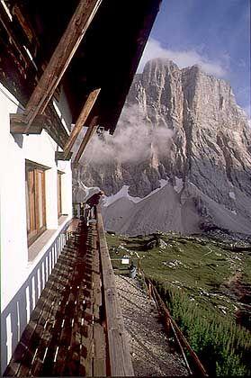 Rifugio Tissi: Die Hütte auf 2262 Meter Höhe sollte auf der Höhentour nicht links liegen gelassen werden
