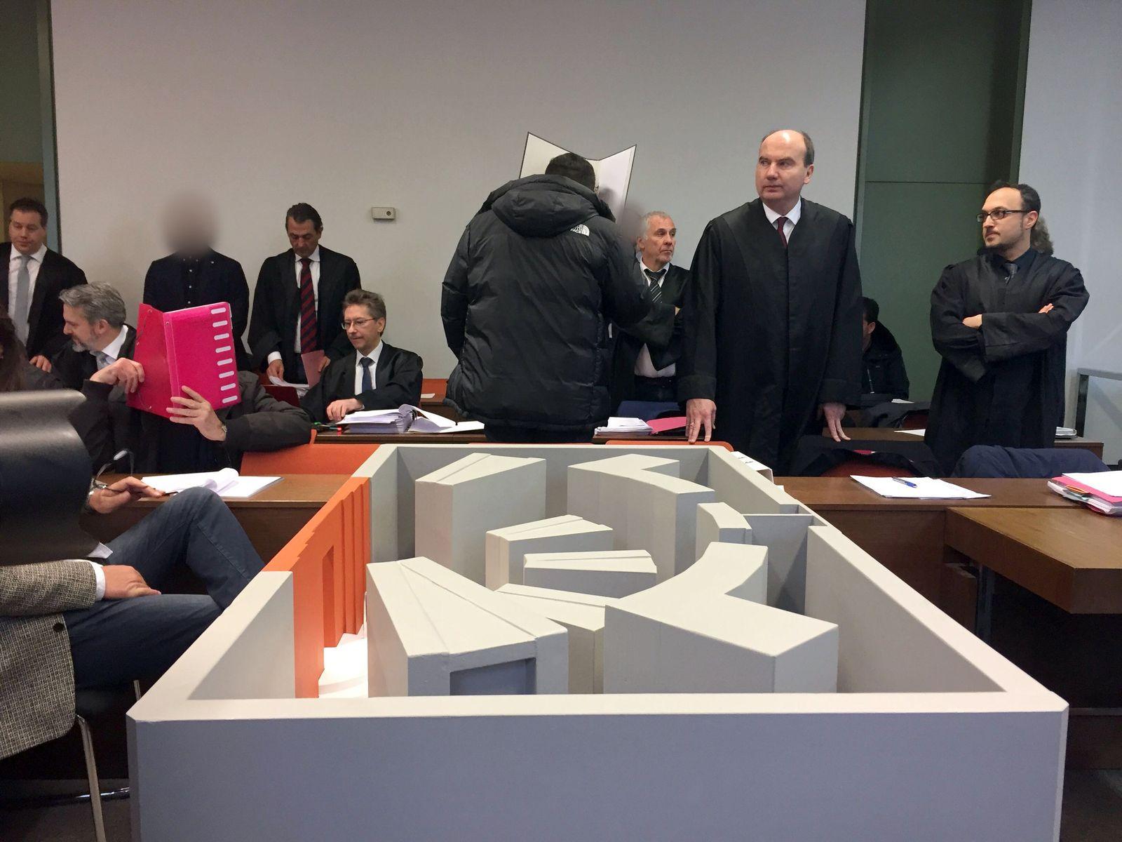 4,6 Millionen aus Schließfächern gestohlen - Prozess in München