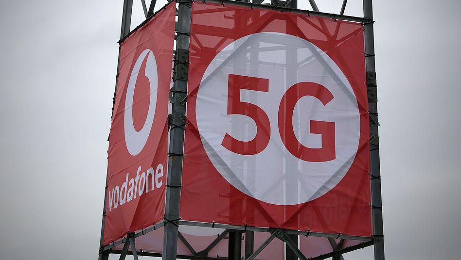 5G-Antenne auf einem Testgelände.